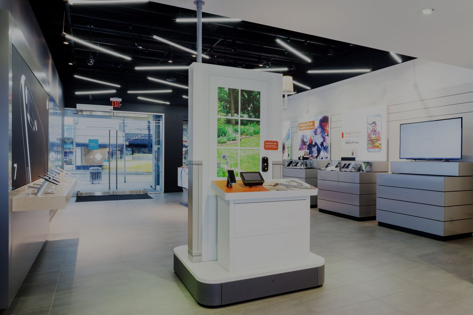 Ceiling Design Retail What Retail Design Firms Can Learn From The Rogers Smart