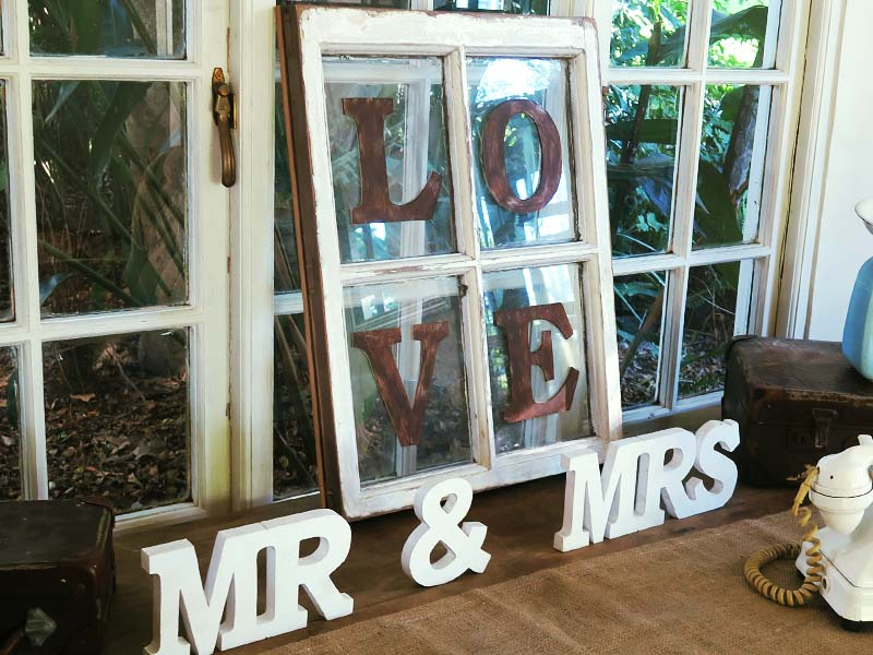 Mr and Mrs Love - Quirky Parties