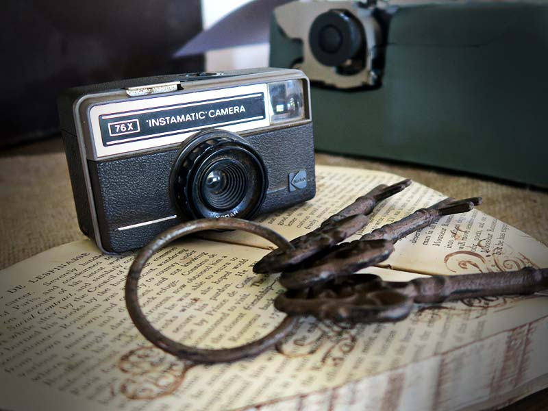 Vintage decor camera - Quirky Parties