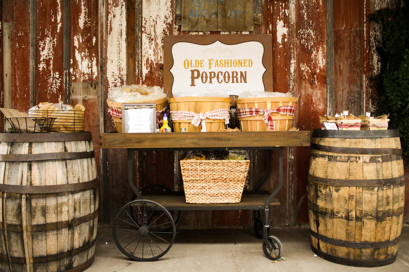 Wagon - popcorn station . Quirky Parties