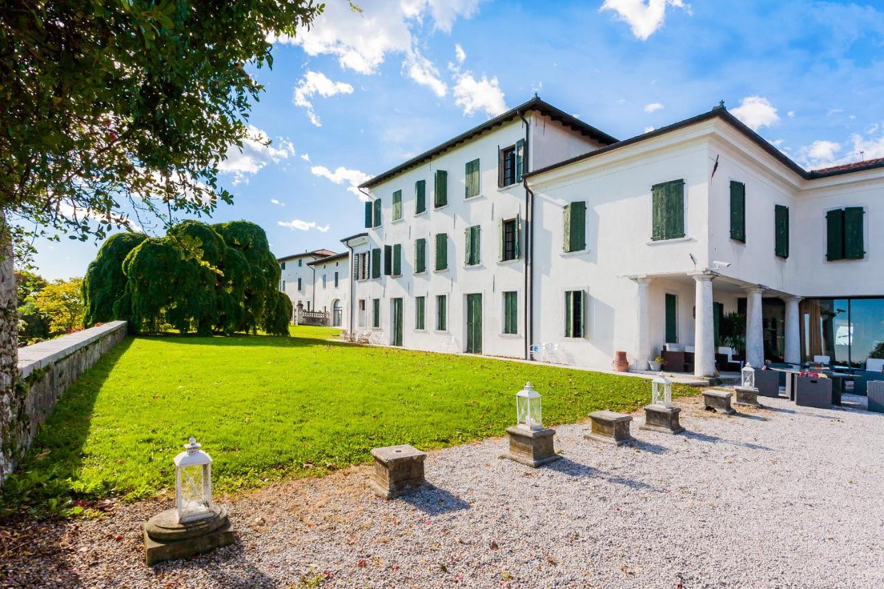 Hotel Villa Policreti Castello D'aviano Italy Booking Com - Soggiorno Office Aviano