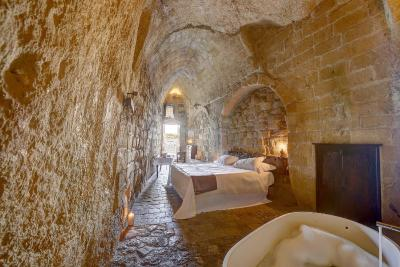Best Deals For Hotel Sextantio Grotte Civita Matera - Badezimmer Grotte