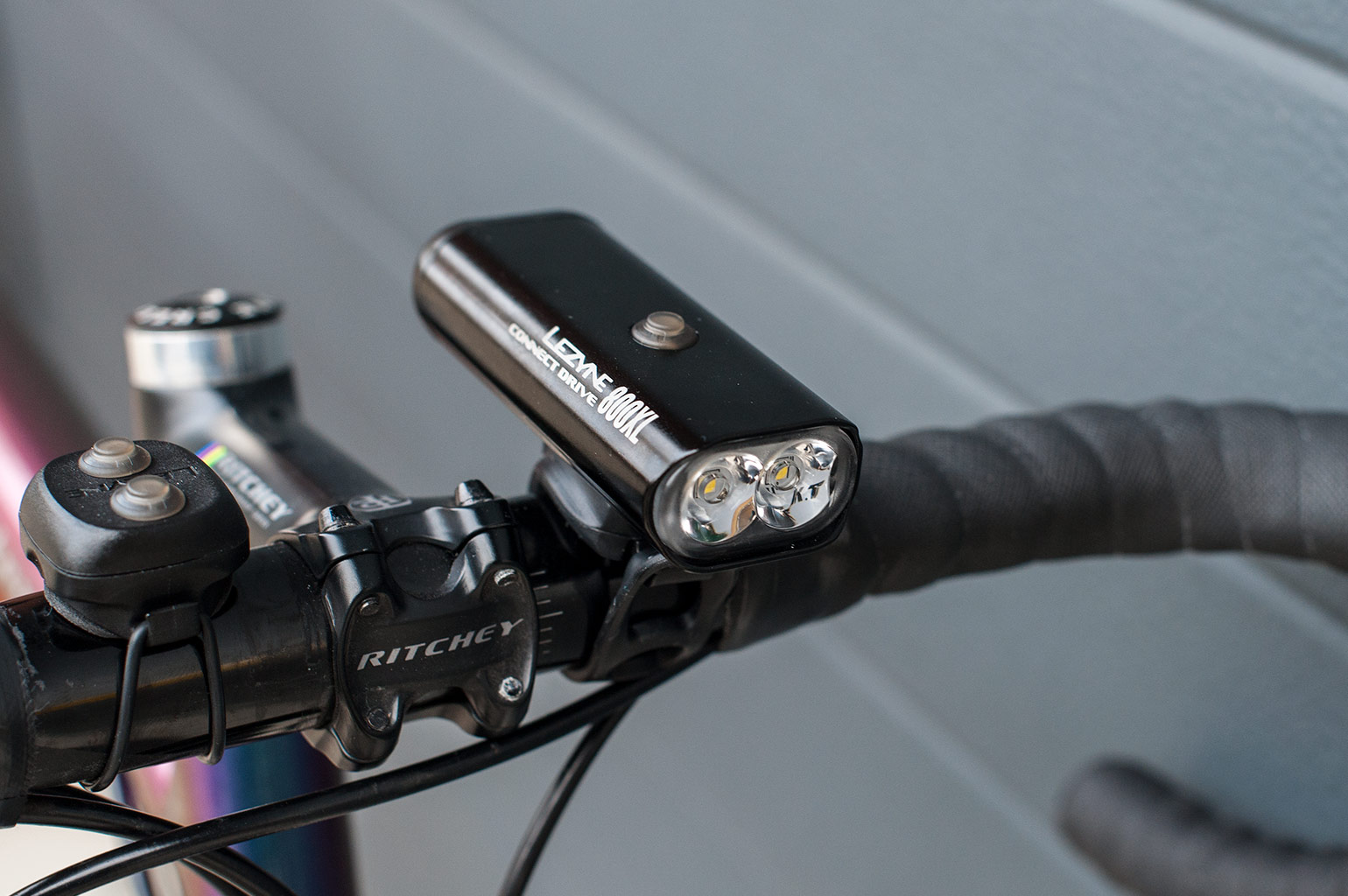 Verlichting Racefiets Test Review Lezyne Connect Drive 800xl En Strip Connect Drive