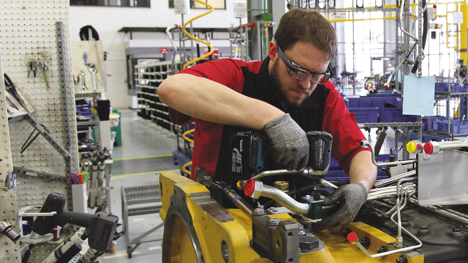 Glass Factory Manufacturer Seeing A Future For Google Glass 2 Raconteur