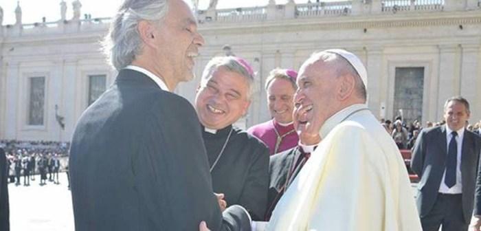 Papa Francisco y Andrea Bocelli juntos por los cristianos perseguidos