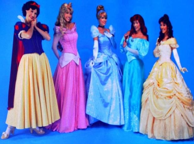 Nouvelles robes pour les princesses? - Page 10 Mgl05101