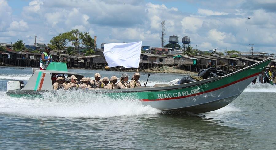 Delegacion Farc desembarcando Buenaventura