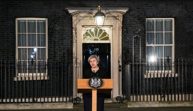 La primera ministra británica, Theresa May, habla en la la residencia oficial de 10 Downing Street, en el centro de Londres, el 22 de marzo de 2017, tras el atentado ocurrido en el Parlamento. POOL/AFP / RICHARD POHLE