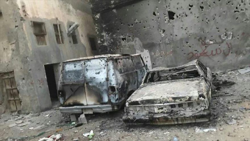 Fuerzas saudíes incendian casas y vehículos de chiíes en Awamiya, 18 de mayo de 2017.