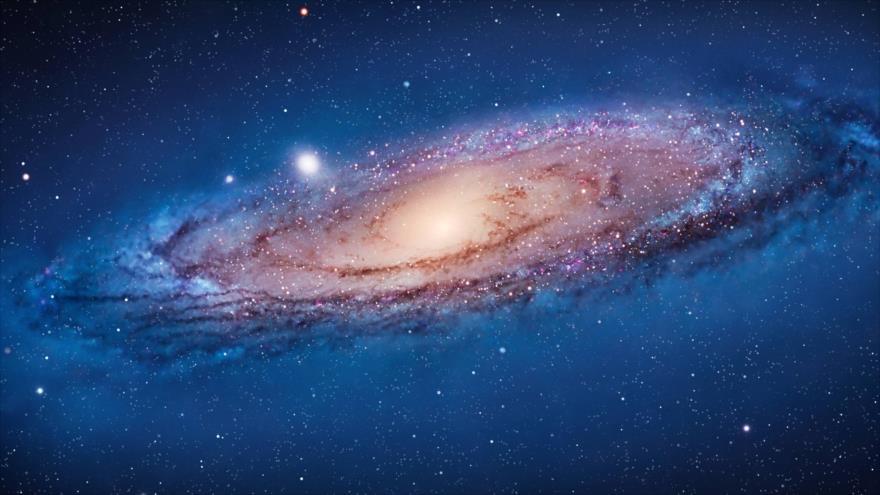 Descubren una galaxia mil veces más luminosa que la Vía Láctea.