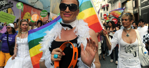 Turkish homosexuals march during the Gay