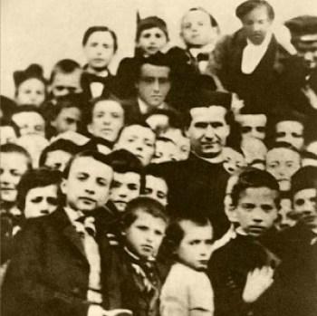 San Giovanni Bosco e i suoi giovani