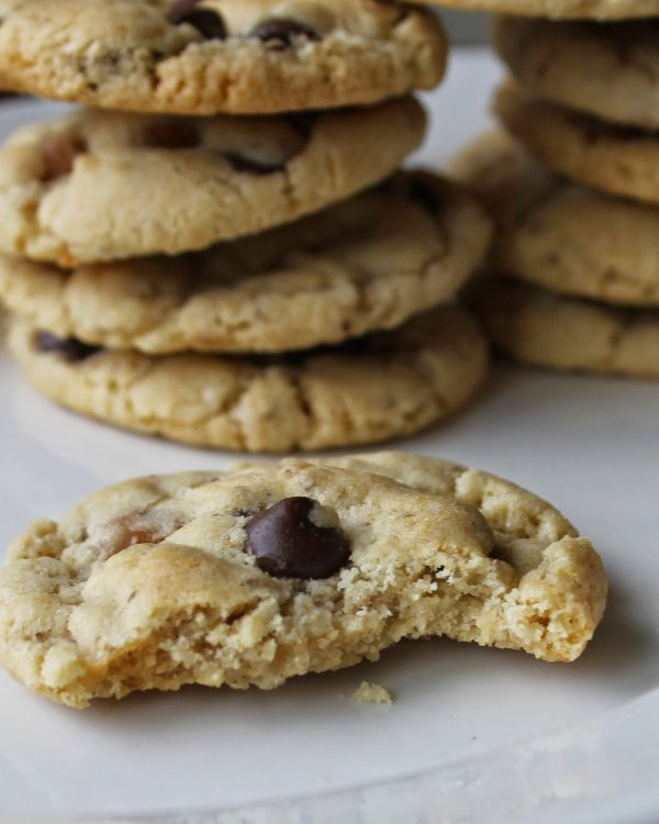 Caramel and Chocolate Chip Cookies from Auntie Bethany | Savoring Saturdays Weekly Gluten-Free Linky Party at RaiasRecipes.com