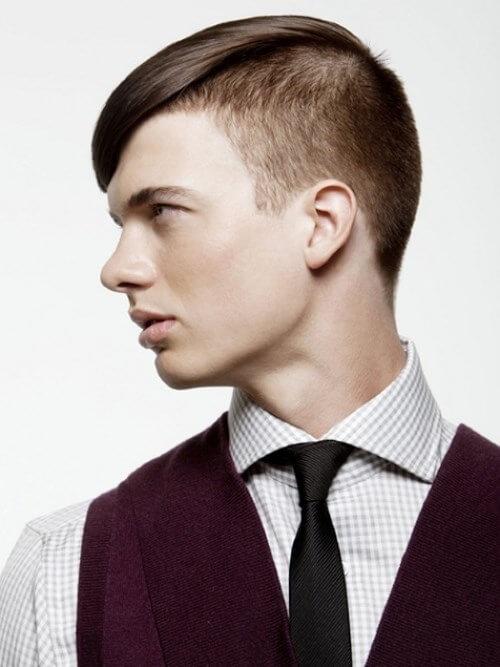 косая челка у мужчины