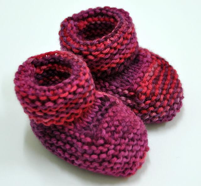 Вязание спицами для новорожденных пинетки шапочки конверт