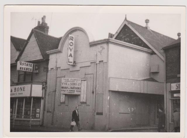 Harveys Sofas Gillingham The Early Years Of Cinema In Rainham