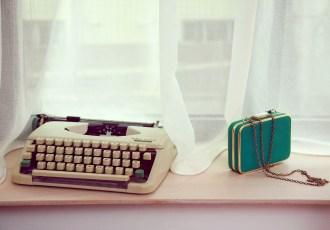 masina de scris turcoaz