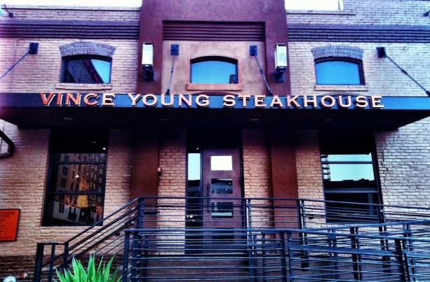 http://i0.wp.com/randallmetting.files.wordpress.com/2013/01/vince-young-steakhouse.jpg?resize=613%2C403&ssl=1