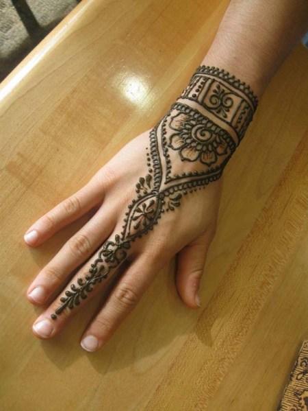 Mehndi Designs Very Hard : Simple mehndi designs for kids to definitely try