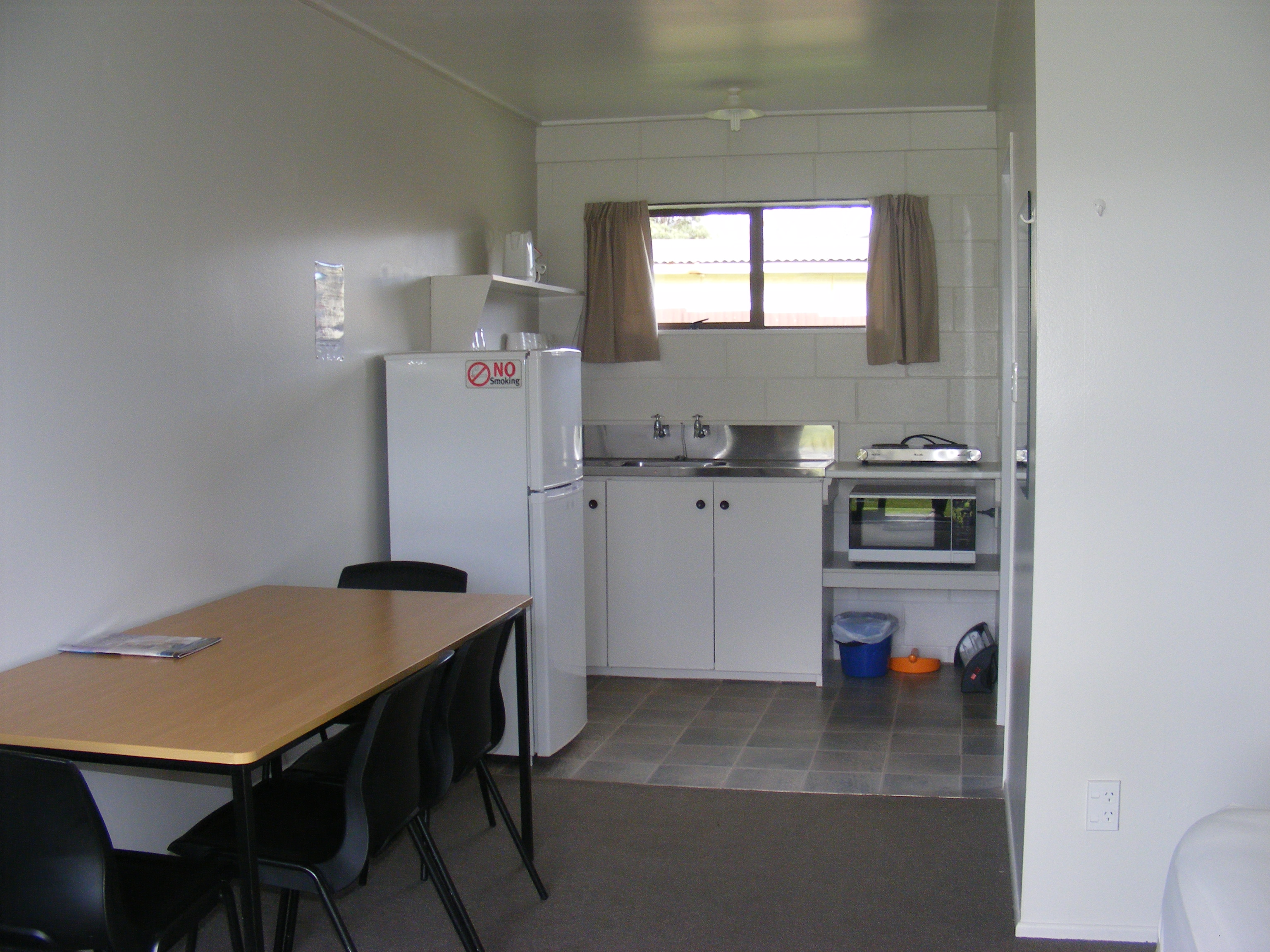 Built In Kitchen Cabinets Zimbabwe Harbourside Holiday Park Two Roomed Kitchen Cabin
