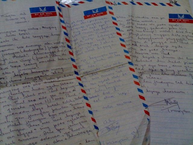 Segepok Surat Cinta Dari Masa Lalu Ransel Hitam