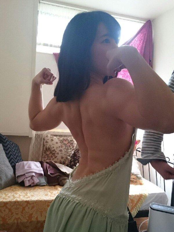 筋肉女82