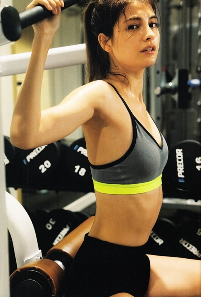 筋肉女482