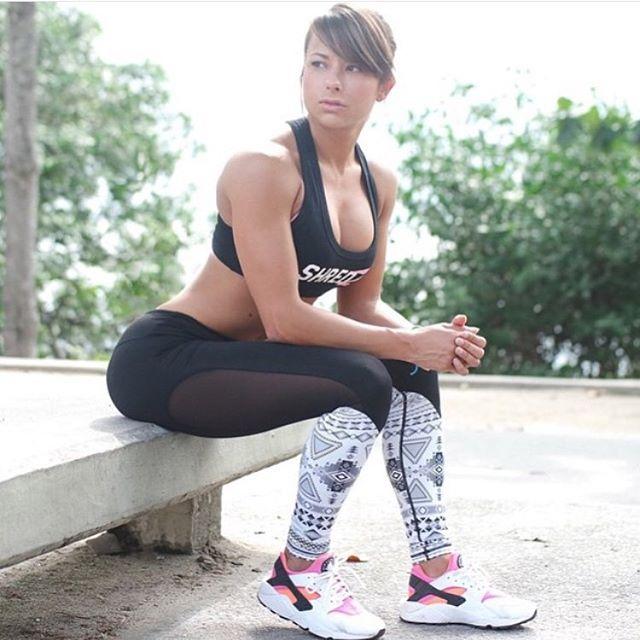 筋肉女323
