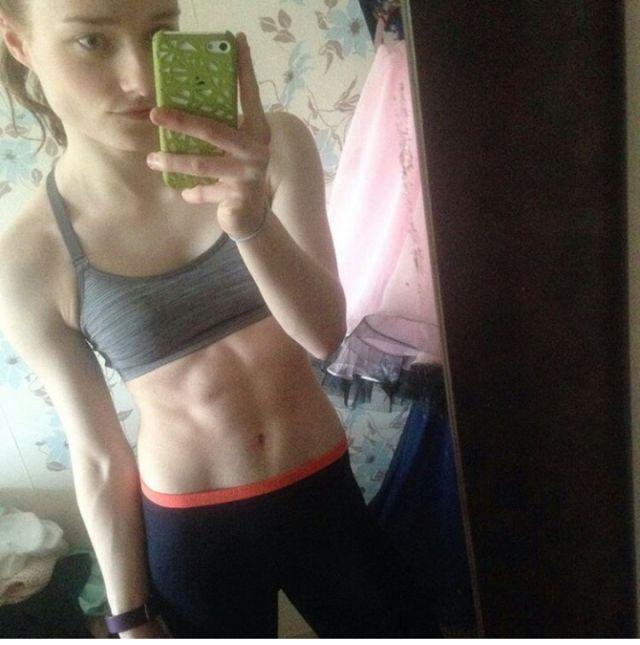 筋肉女682