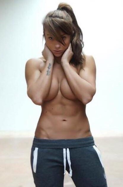 筋肉女581