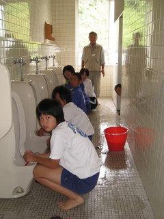 トイレ111