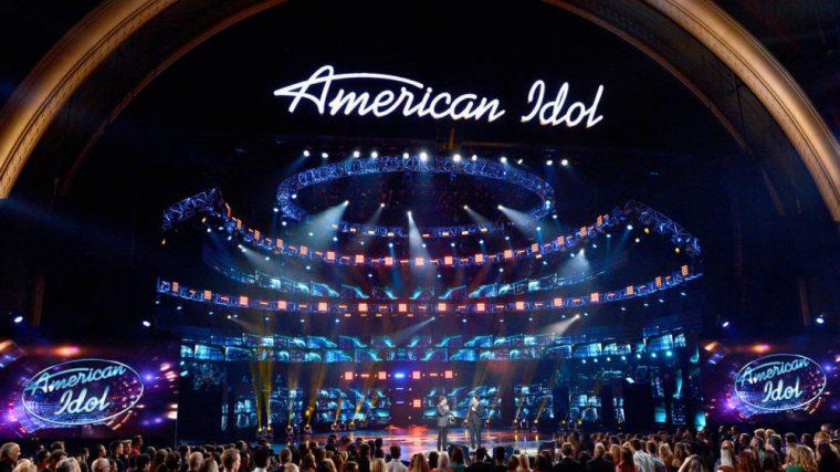 la-et-st-american-idol-series-finale-show-high-003