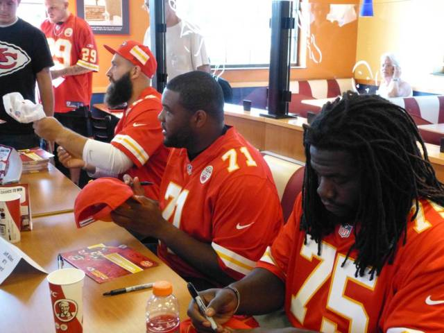 players_signing2