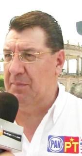 """Hoy dice Gonzalo Yáñez que """"el PRI y el PAN son lo mismo"""", y en efecto, pues con ambos partidos ha hecho acuerdos contradictorios para perjudicar al pueblo de Durango."""