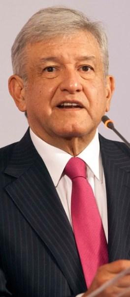 """Andrés Manuel López Obrador, con sus huestes de """"izquierdistas"""" corruptos tampoco es una opción seria para gobernar nuestro país."""