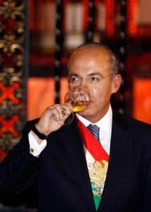 Felipe Calderón, su guerra inútil que nos ha costado más de 150 mil vidas.