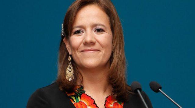 """Margarita Zavala, amenaza con continuar la """"guerra contra el narcotráfico"""" que emprendió su corrupto y sanguinario esposo Felipe Calderón."""