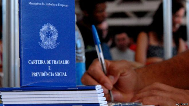 Deputados podem votar hoje projeto que regulamenta terceirização