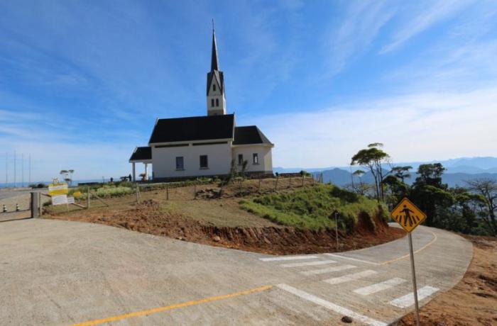 Pavimentação do acesso à Chiesetta Alpina será inaugurada sábado