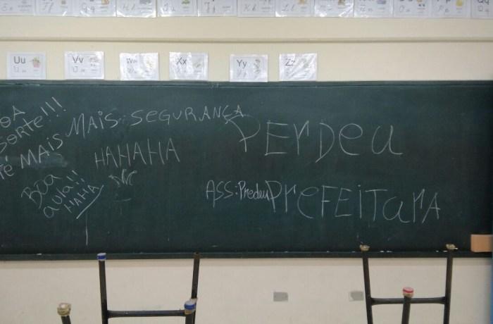 Ladrões limparam escola em Guaramirim e deixaram recado em quadro