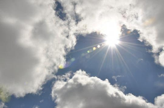 Semana termina com sol entre nuvens e temperaturas amenas em SC