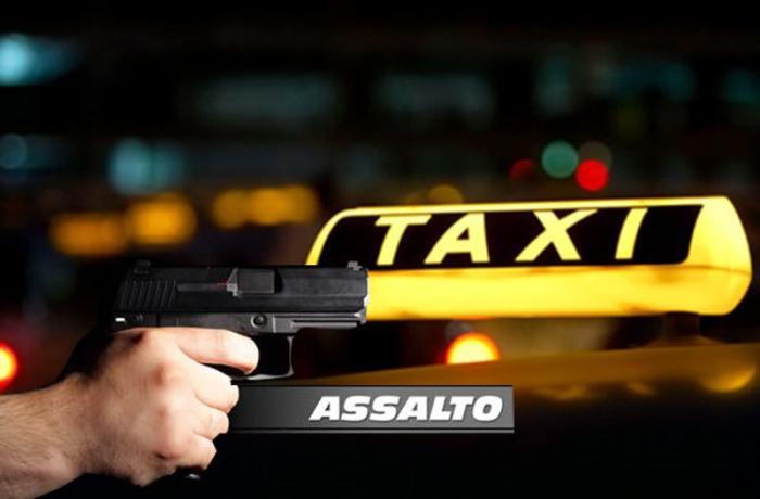 Criminoso assalta taxista com facão e depois capota veículo em Schroeder
