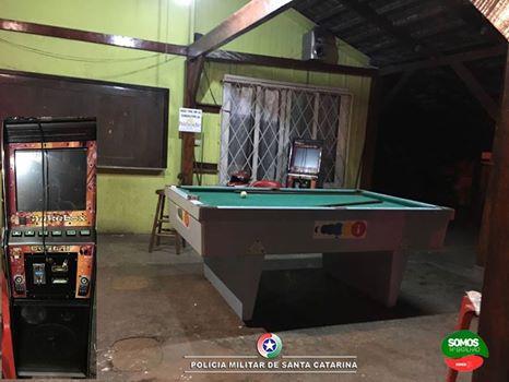 Homem é preso por ato obsceno em bar em Guaramirim