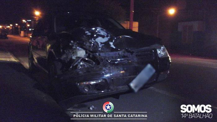 PM divulga imagens de acidente com motorista alcoolizado em Jaraguá