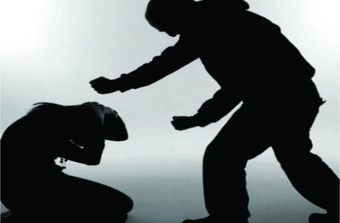 Mulher denuncia companheiro por ameaçá-la com uma faca em Jaraguá