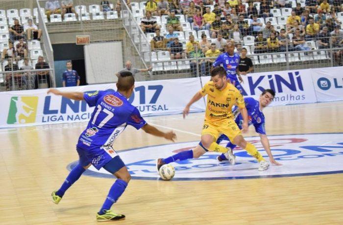 Jogando na Arena, Jaraguá Futsal é superado pelo adversário