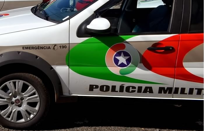 Polícia apreende aluno, celulares e material usado para fumar maconha em escola de Guaramirim