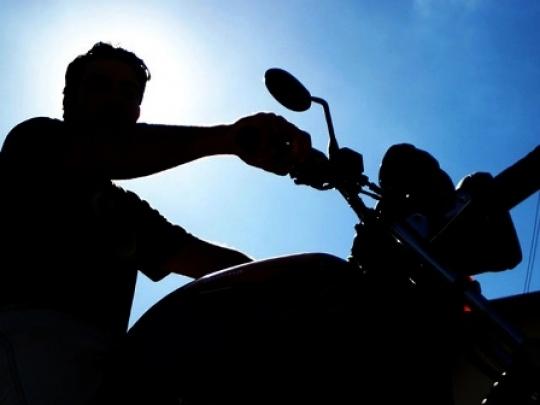 Moto é furtada no bairro São Luís, em Jaraguá