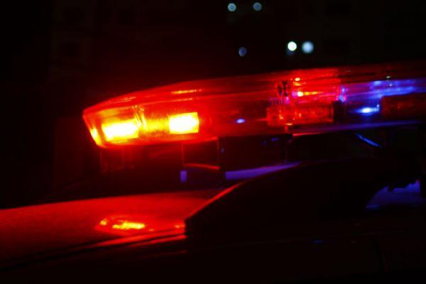 Homem é agredido por causa de ciúmes em casa noturna de Jaraguá