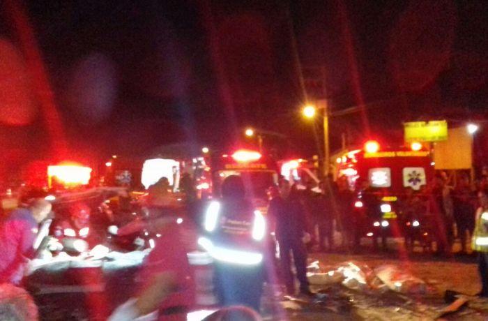 Três morrem em colisão frontal na BR-470 em Navegantes